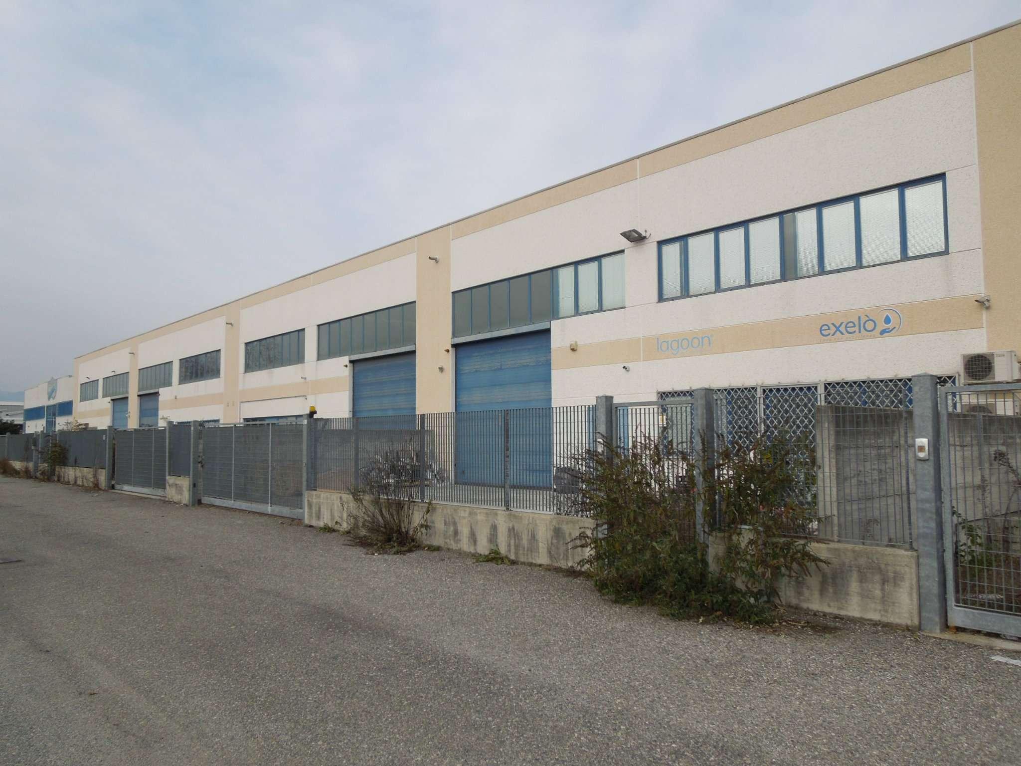 Capannone in vendita a Settimo Torinese, 9999 locali, prezzo € 180.000 | PortaleAgenzieImmobiliari.it