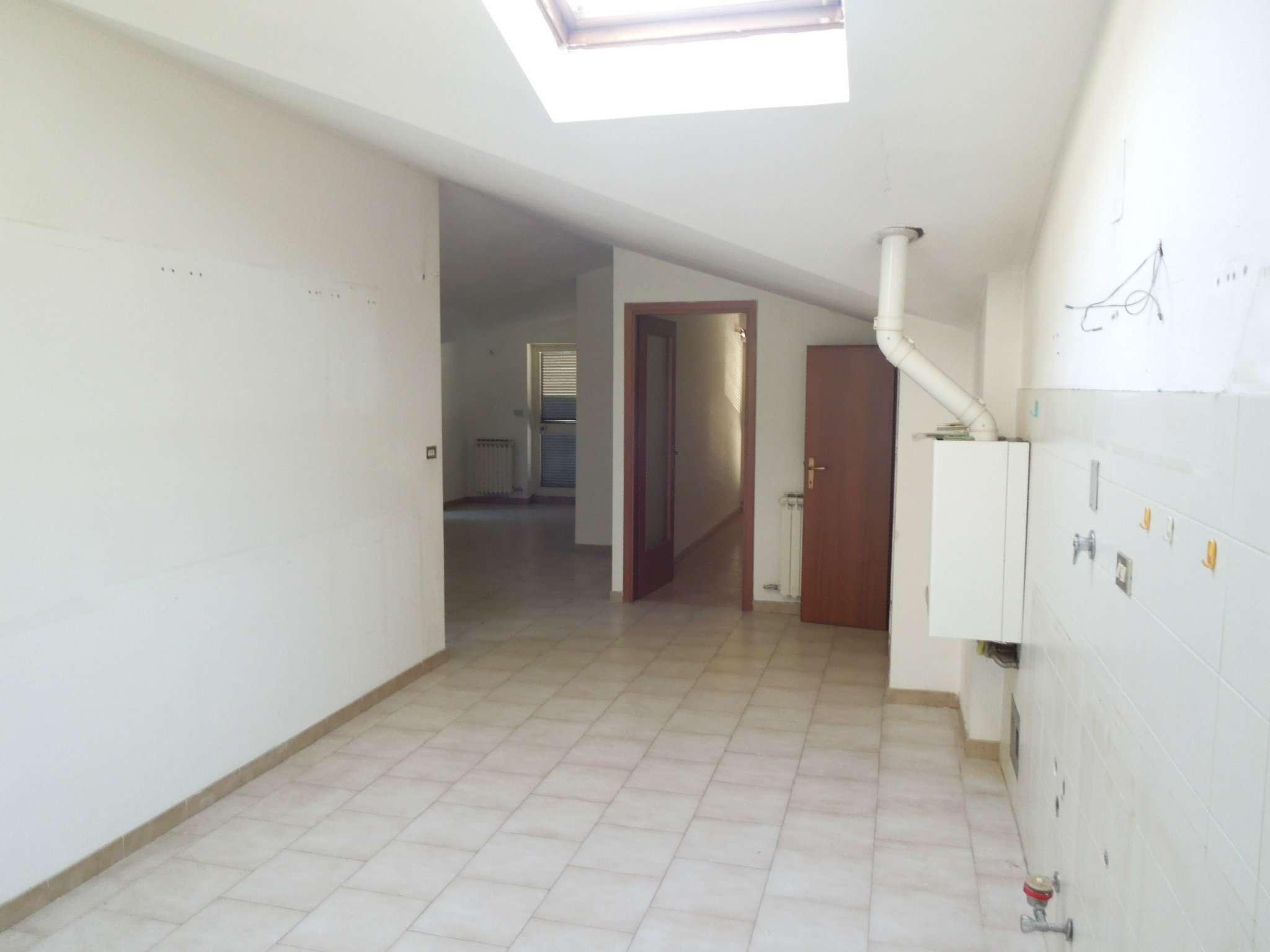 Appartamento in affitto a Brandizzo, 4 locali, prezzo € 450 | PortaleAgenzieImmobiliari.it