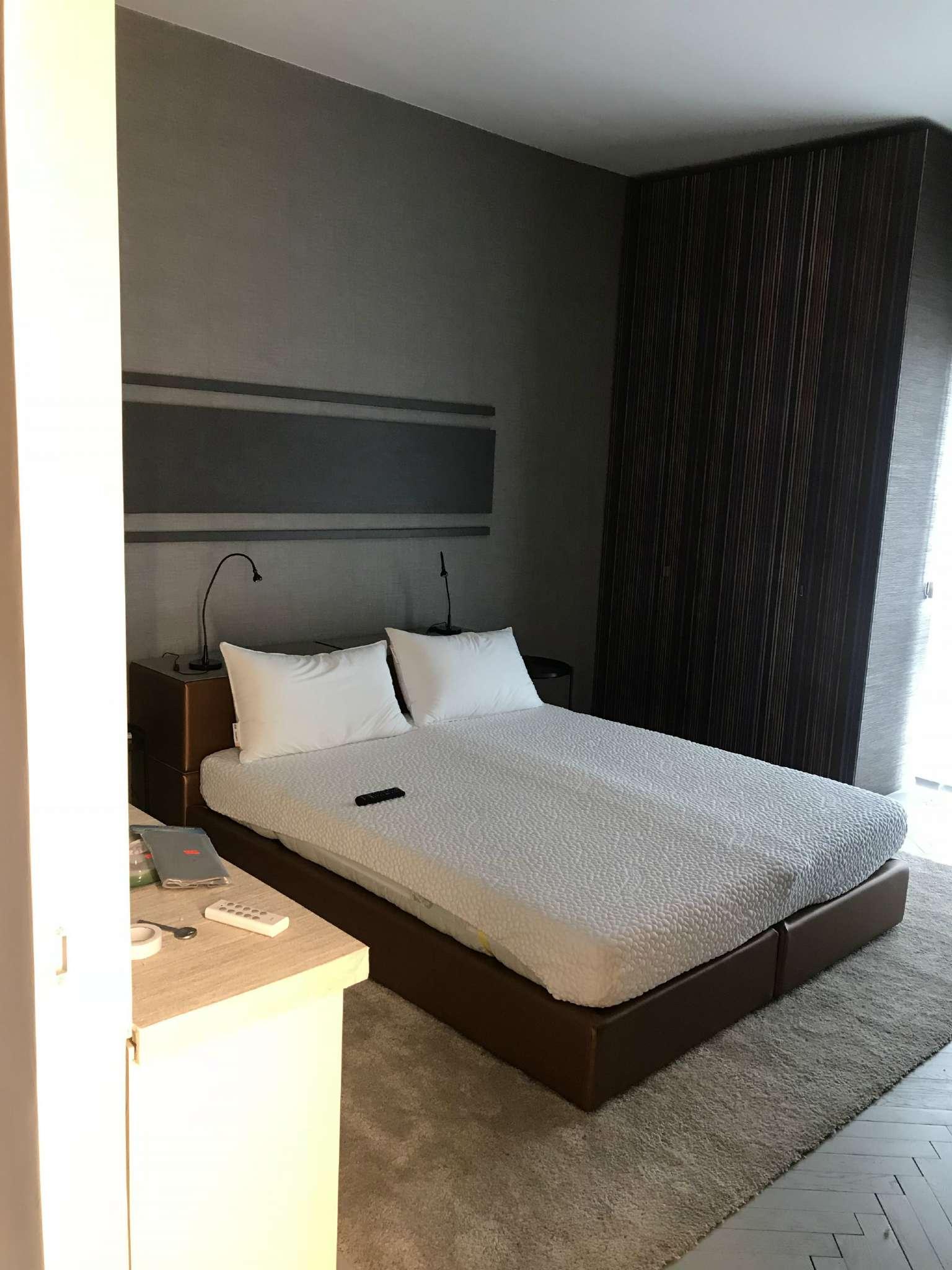 Stanza / posto letto ristrutturato arredato in affitto Rif. 8230448