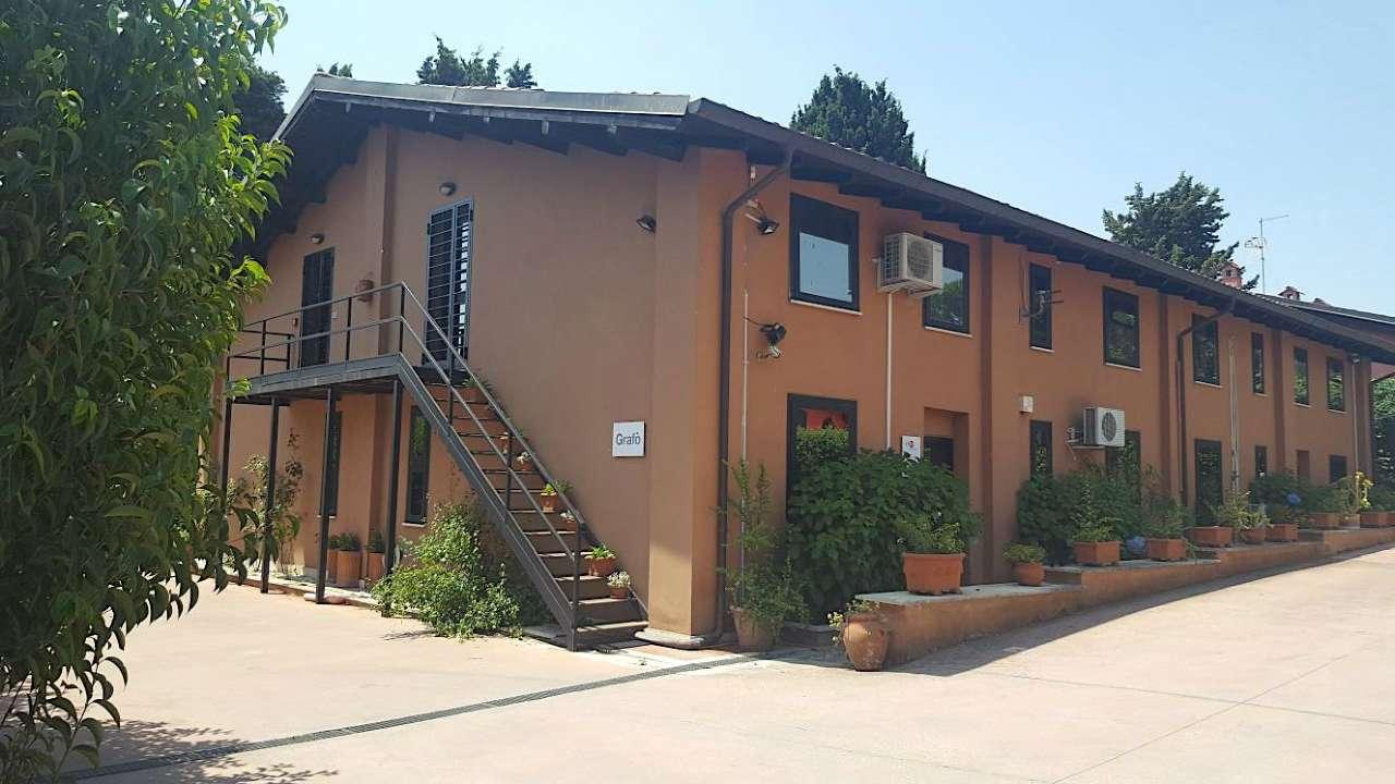 Laboratorio in vendita a Roma, 13 locali, zona Zona: 23 . Portuense - Magliana, prezzo € 350.000 | CambioCasa.it
