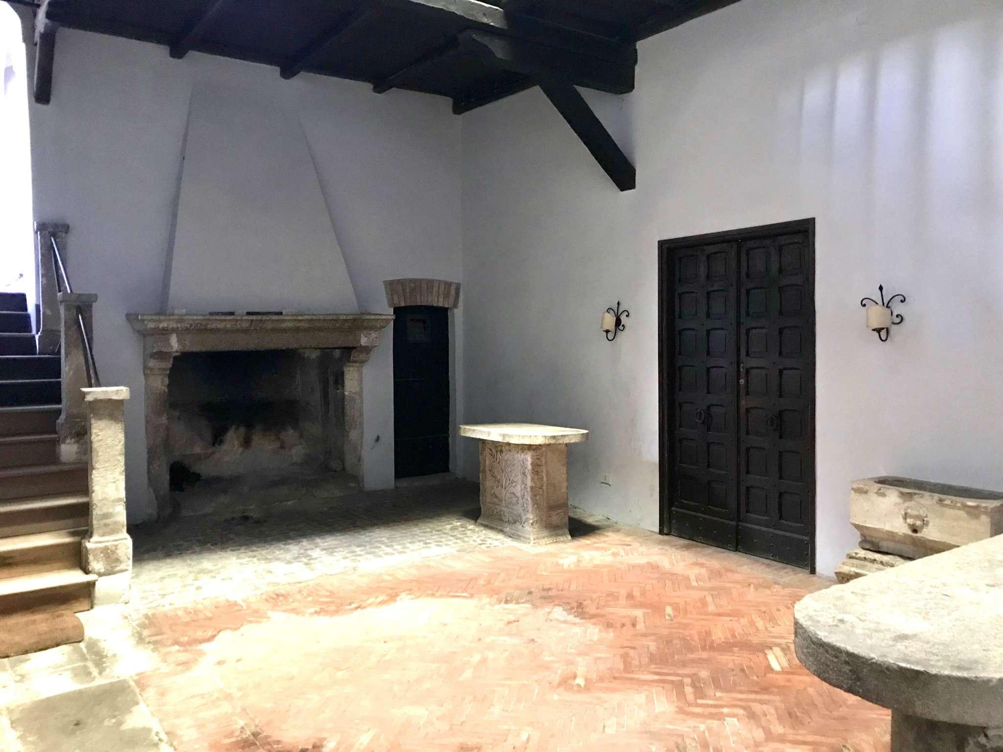 Appartamento in vendita a Castelnuovo di Porto, 17 locali, prezzo € 690.000 | CambioCasa.it