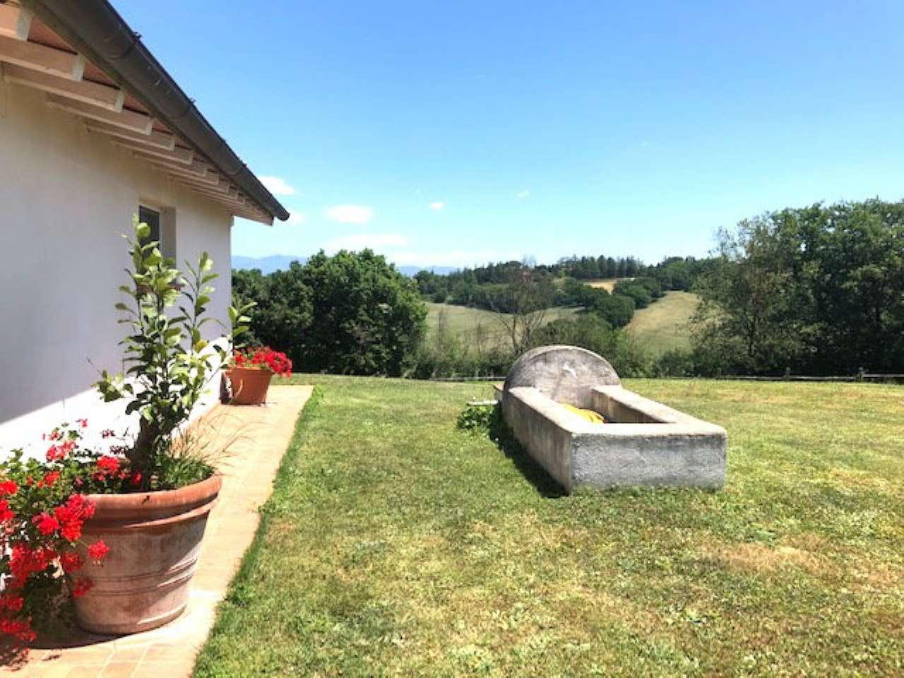 Villa in vendita a Rignano Flaminio, 7 locali, prezzo € 550.000 | CambioCasa.it