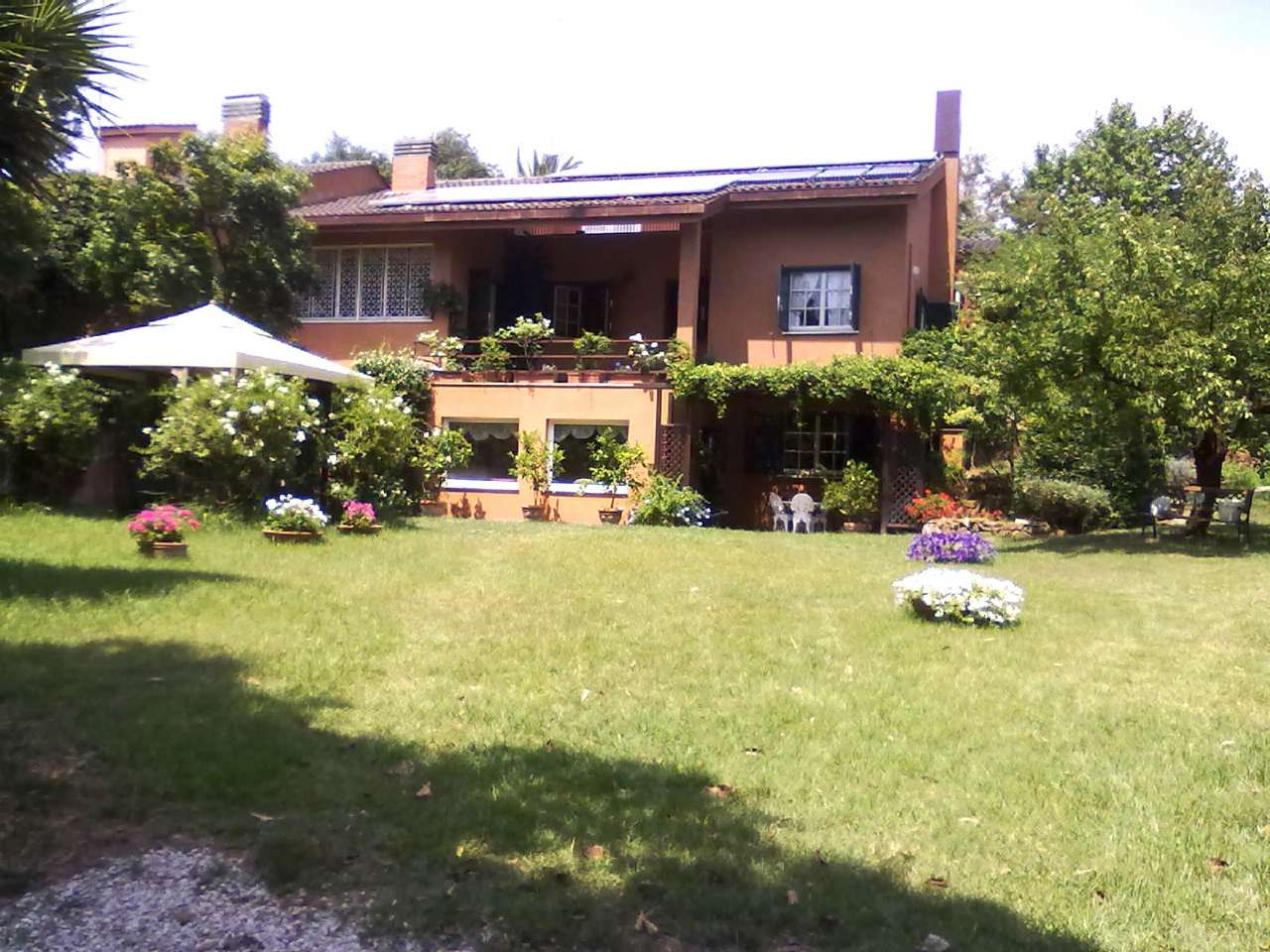 Villa in vendita a Roma, 16 locali, zona Zona: 23 . Portuense - Magliana, prezzo € 970.000 | CambioCasa.it
