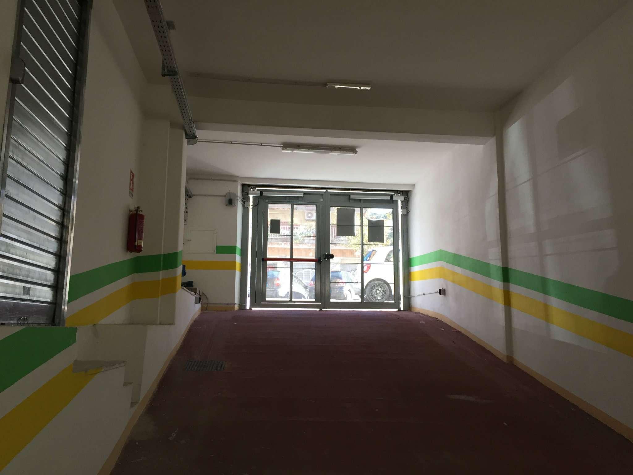 Box / Garage in vendita a Roma, 1 locali, zona Zona: 11 . Centocelle, Alessandrino, Collatino, Prenestina, Villa Giordani, prezzo € 39.000   CambioCasa.it
