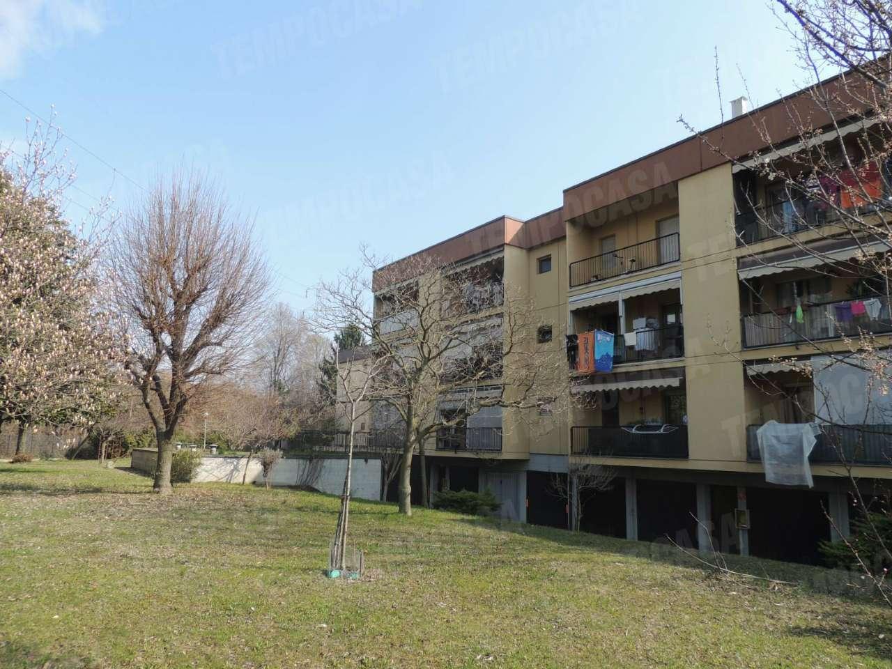 Appartamento in buone condizioni in vendita Rif. 8522485