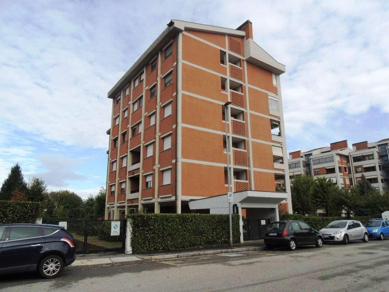 Appartamento in ottime condizioni in vendita Rif. 8610303