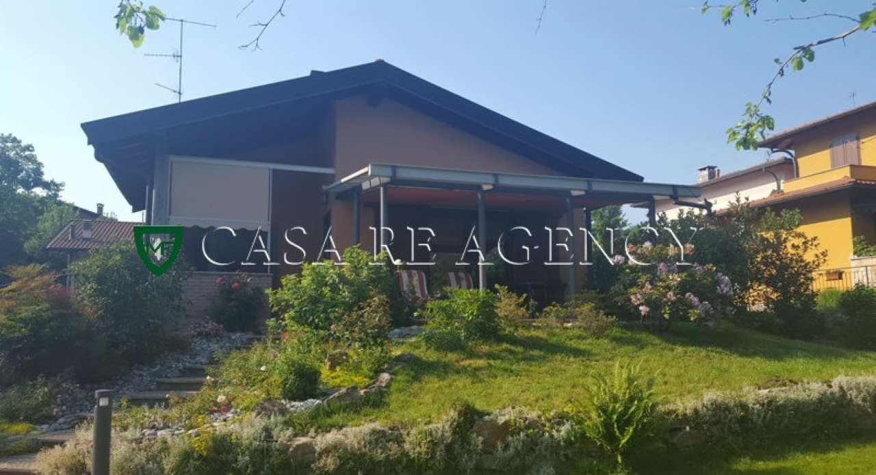 Villa in vendita a Bedero Valcuvia, 6 locali, prezzo € 580.000 | CambioCasa.it