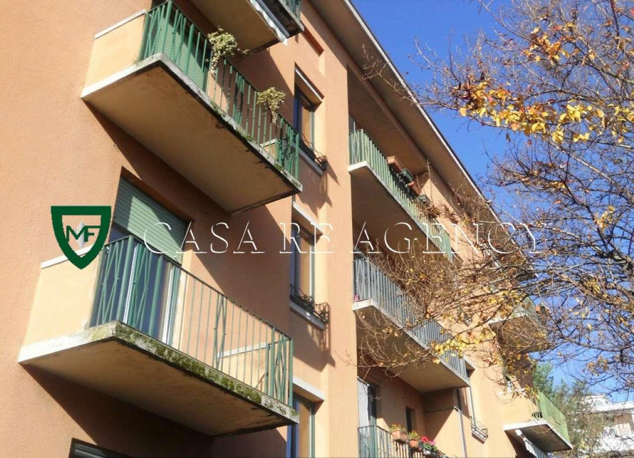 Appartamento in buone condizioni parzialmente arredato in vendita Rif. 8832073