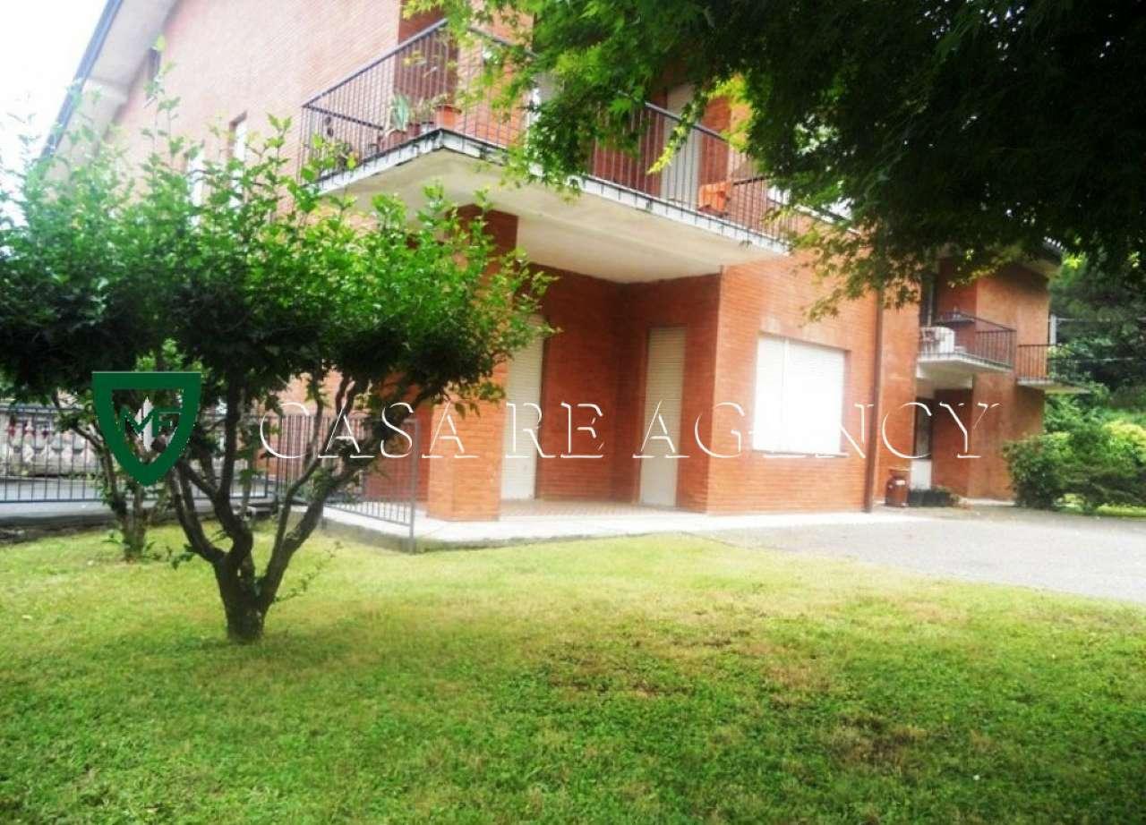Appartamento in buone condizioni in vendita Rif. 8898829