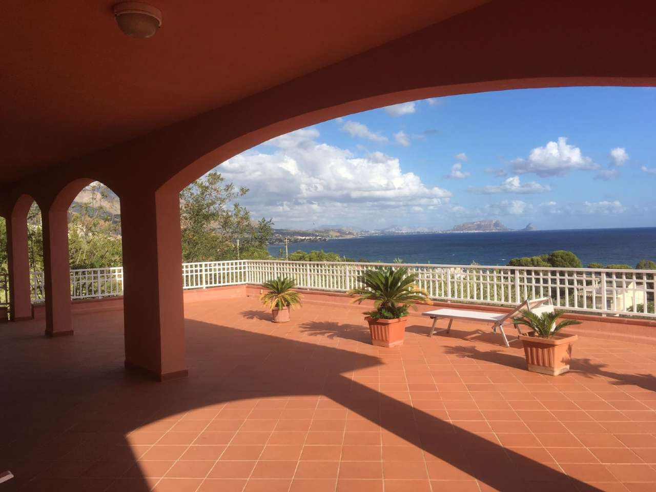 Villa in vendita a Termini Imerese, 9 locali, prezzo € 900.000 | CambioCasa.it