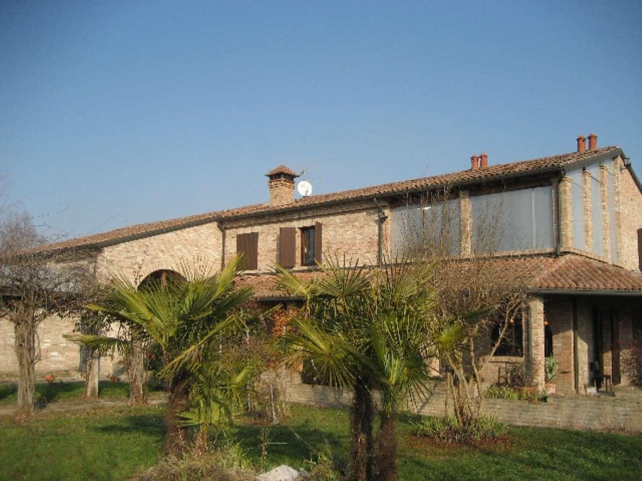 Rustico / Casale in vendita a Sermide, 10 locali, prezzo € 790.000 | CambioCasa.it