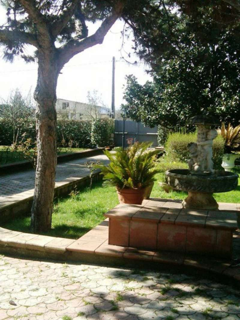 Villa in vendita a Gallicano nel Lazio, 7 locali, prezzo € 600.000 | CambioCasa.it