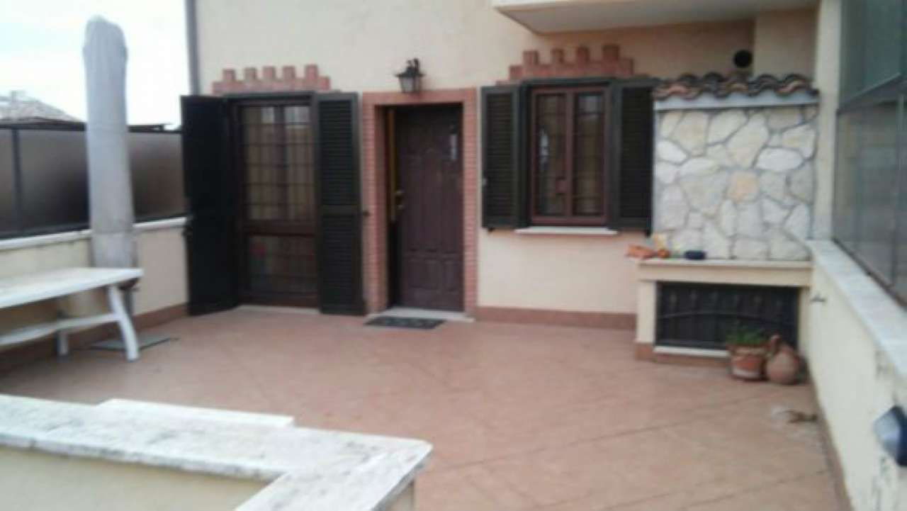 Appartamento in buone condizioni in vendita Rif. 7759552