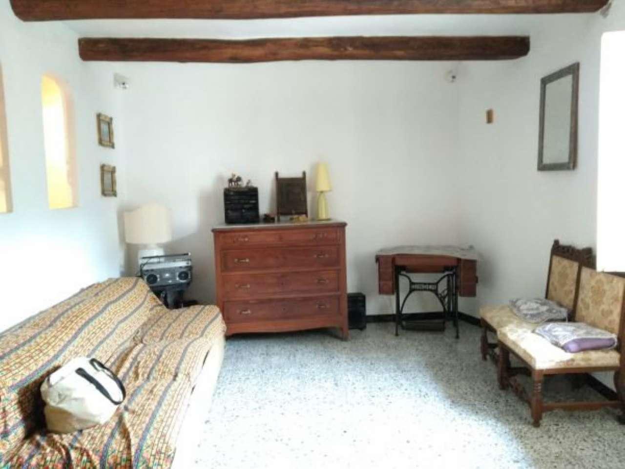 Appartamento in vendita a Bassano in Teverina, 4 locali, prezzo € 45.000 | CambioCasa.it