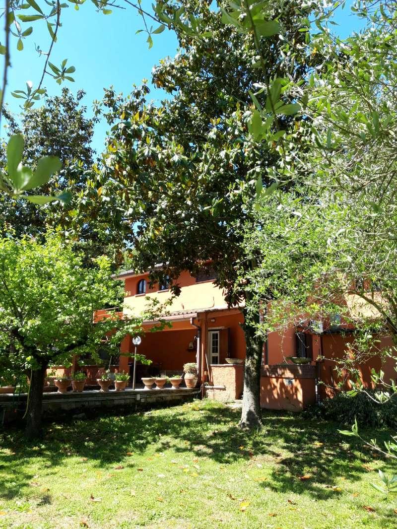 Villa in vendita a Palombara Sabina, 6 locali, prezzo € 210.000 | CambioCasa.it