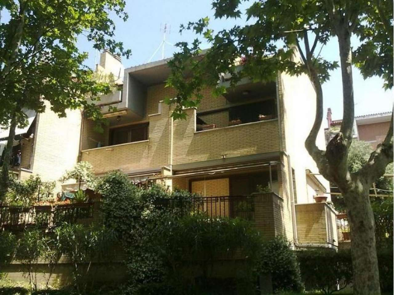 Villa a Schiera in vendita a Monterotondo, 5 locali, prezzo € 245.000   CambioCasa.it