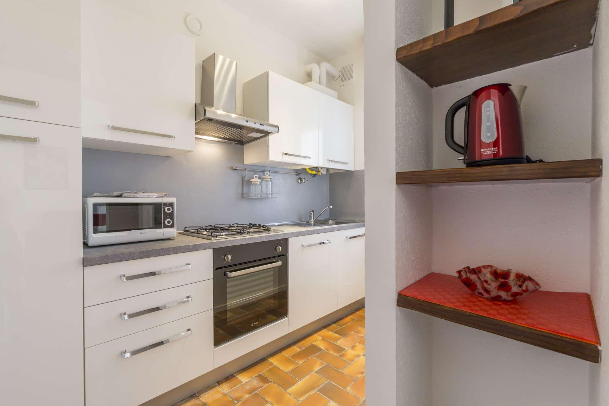 Appartamento in ottime condizioni arredato in affitto Rif. 8328055