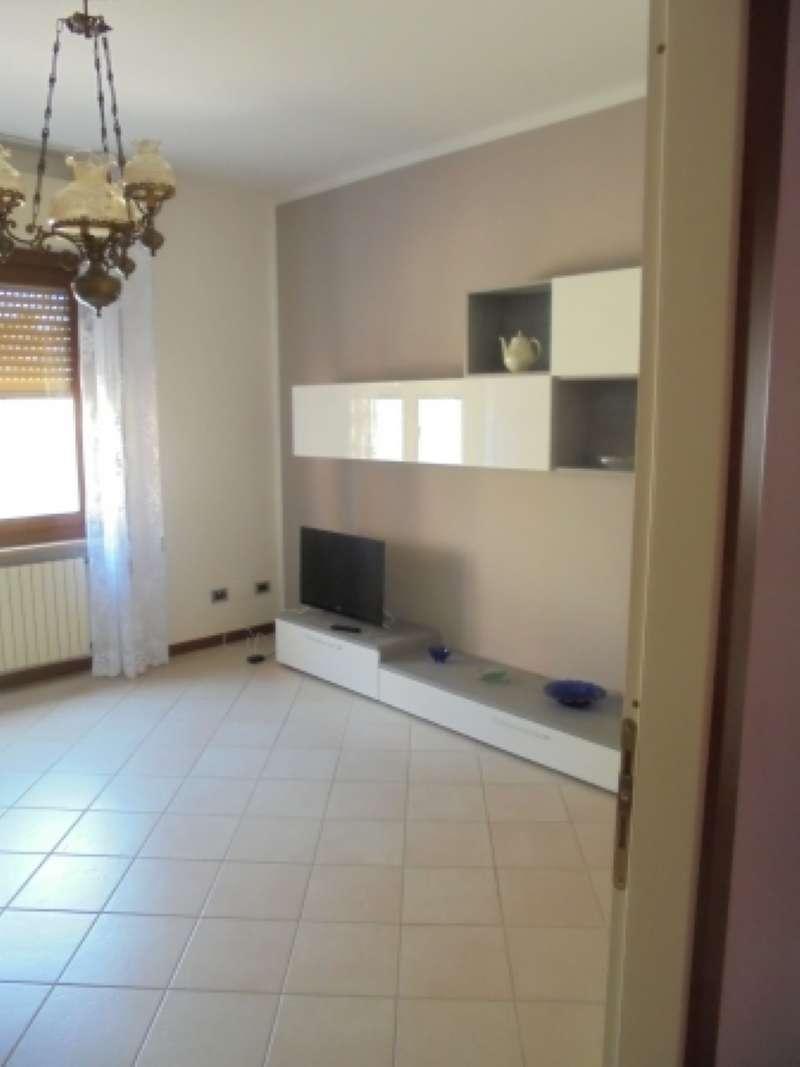 Appartamento in ottime condizioni arredato in affitto Rif. 7735954