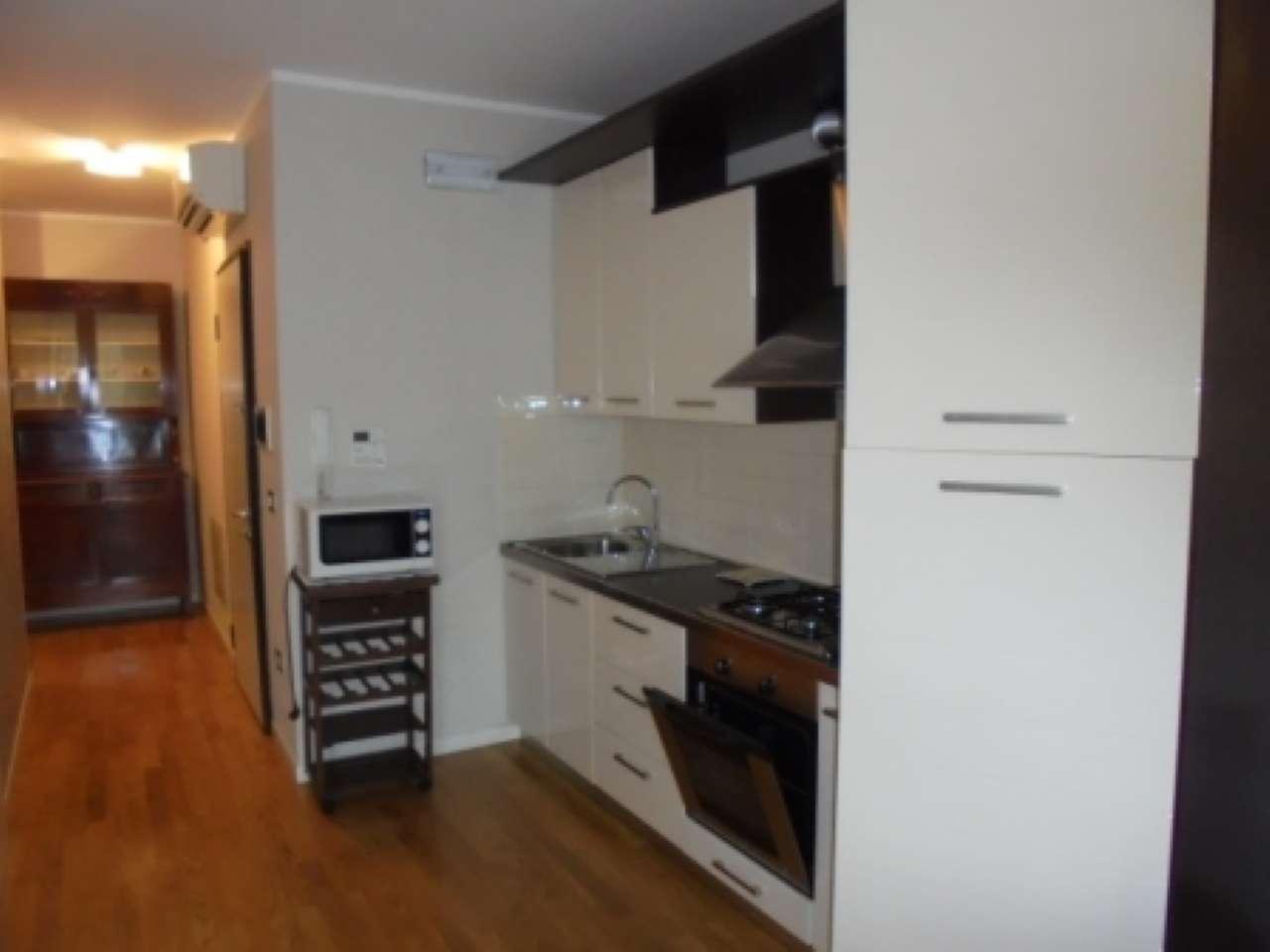 Appartamento in ottime condizioni arredato in affitto Rif. 8522500