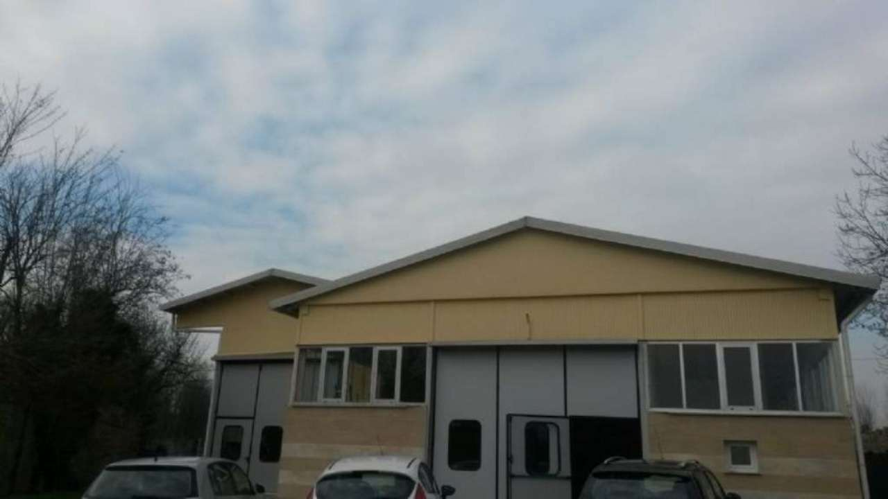 Capannone in vendita a Appiano Gentile, 8 locali, prezzo € 699.000 | CambioCasa.it