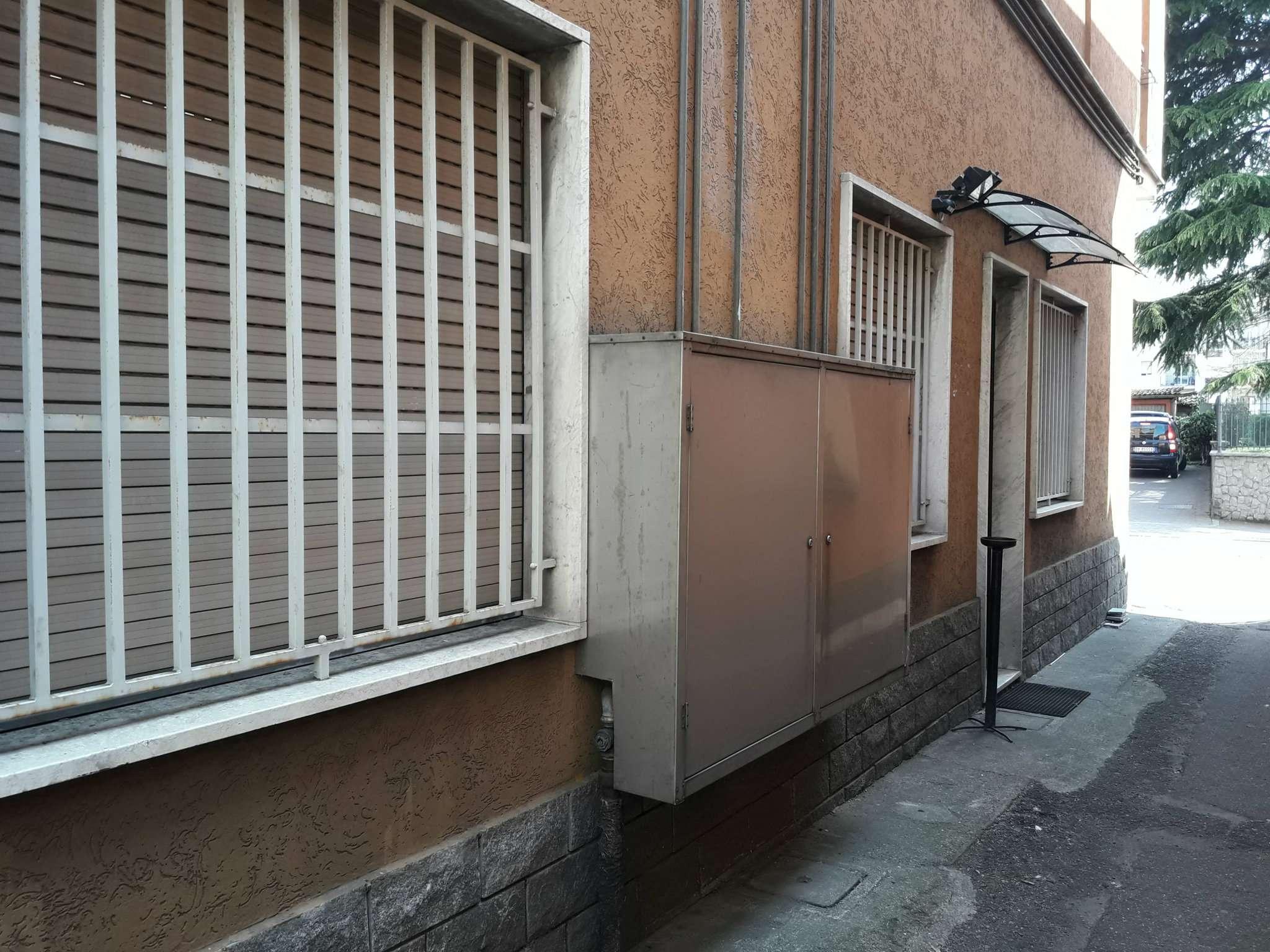 Negozio / Locale in vendita a Luisago, 3 locali, prezzo € 149.000   CambioCasa.it