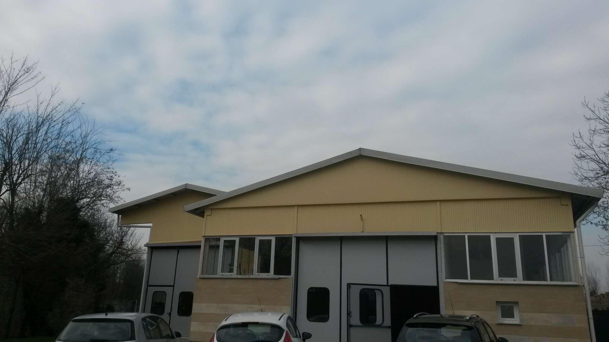 Capannone in affitto a Appiano Gentile, 8 locali, prezzo € 3.200 | CambioCasa.it