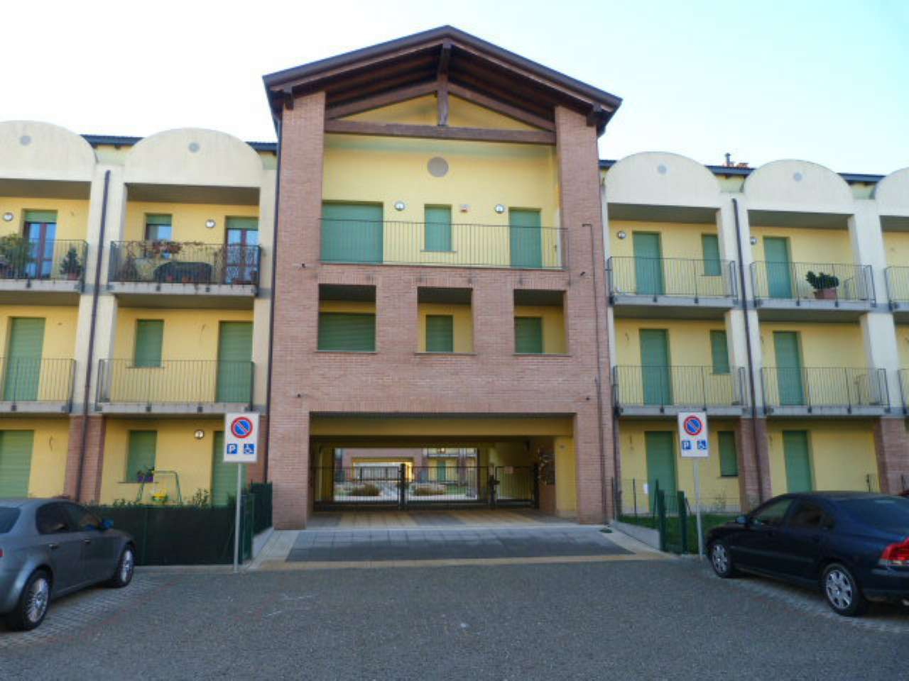 Appartamento in vendita a Solbiate Olona, 4 locali, prezzo € 165.000 | CambioCasa.it
