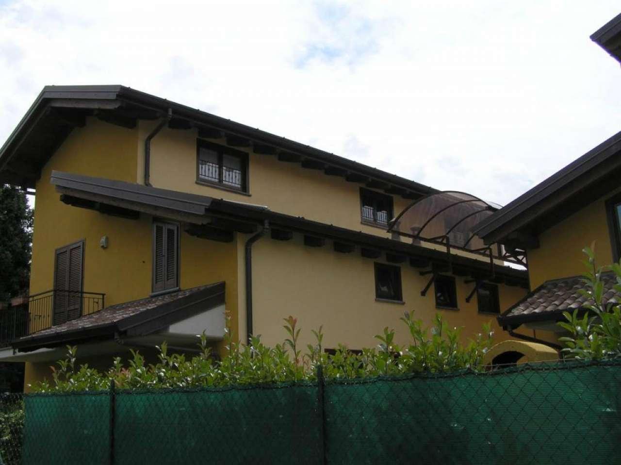 Villa a Schiera in vendita a Olgiate Comasco, 4 locali, prezzo € 230.000 | CambioCasa.it