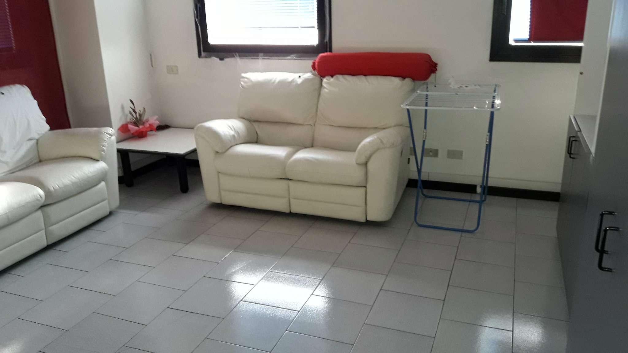 Appartamento in affitto a Como, 1 locali, zona Zona: 7 . Breccia - Camerlata - Rebbio, prezzo € 590 | CambioCasa.it