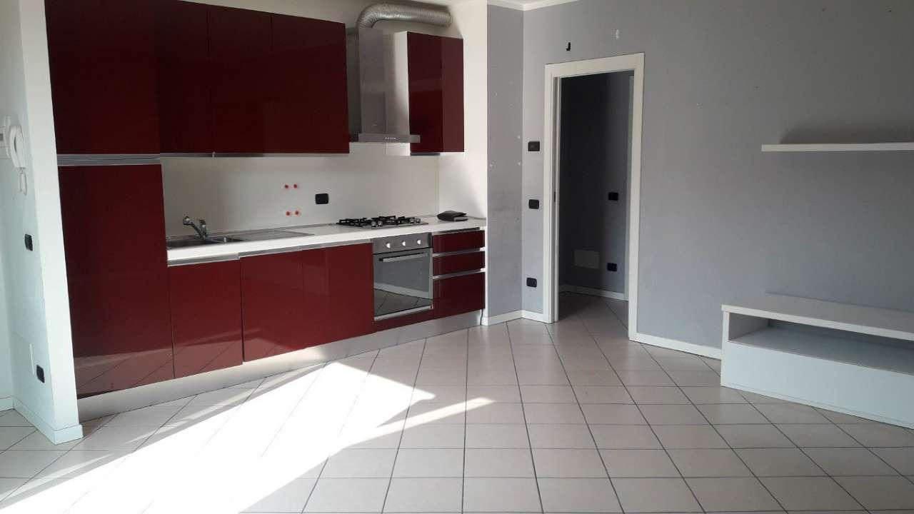 Appartamento in ottime condizioni parzialmente arredato in vendita Rif. 5046828