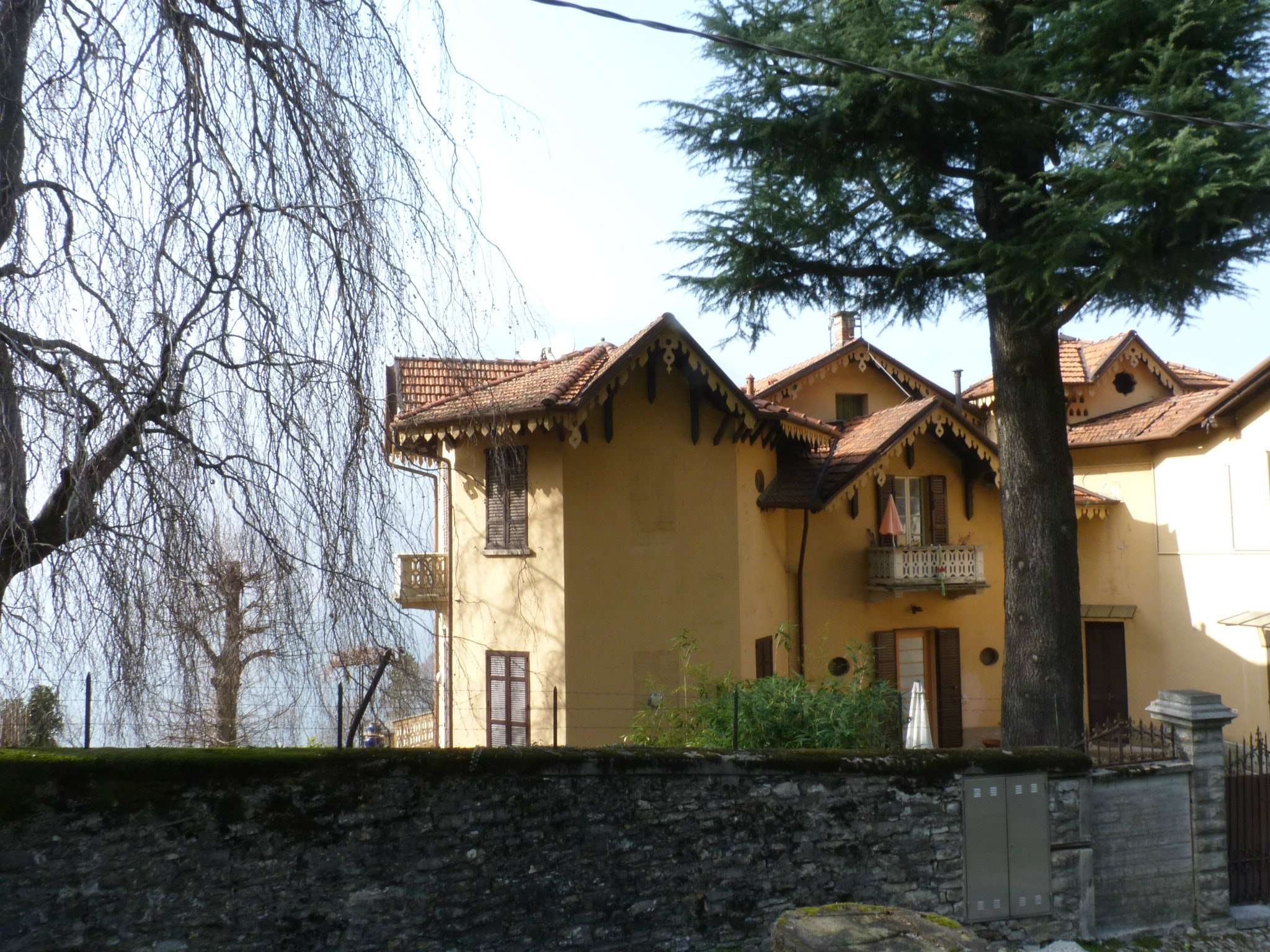 Faggeto Lario Lago di Como mono - bilocale in villa storica vista lago