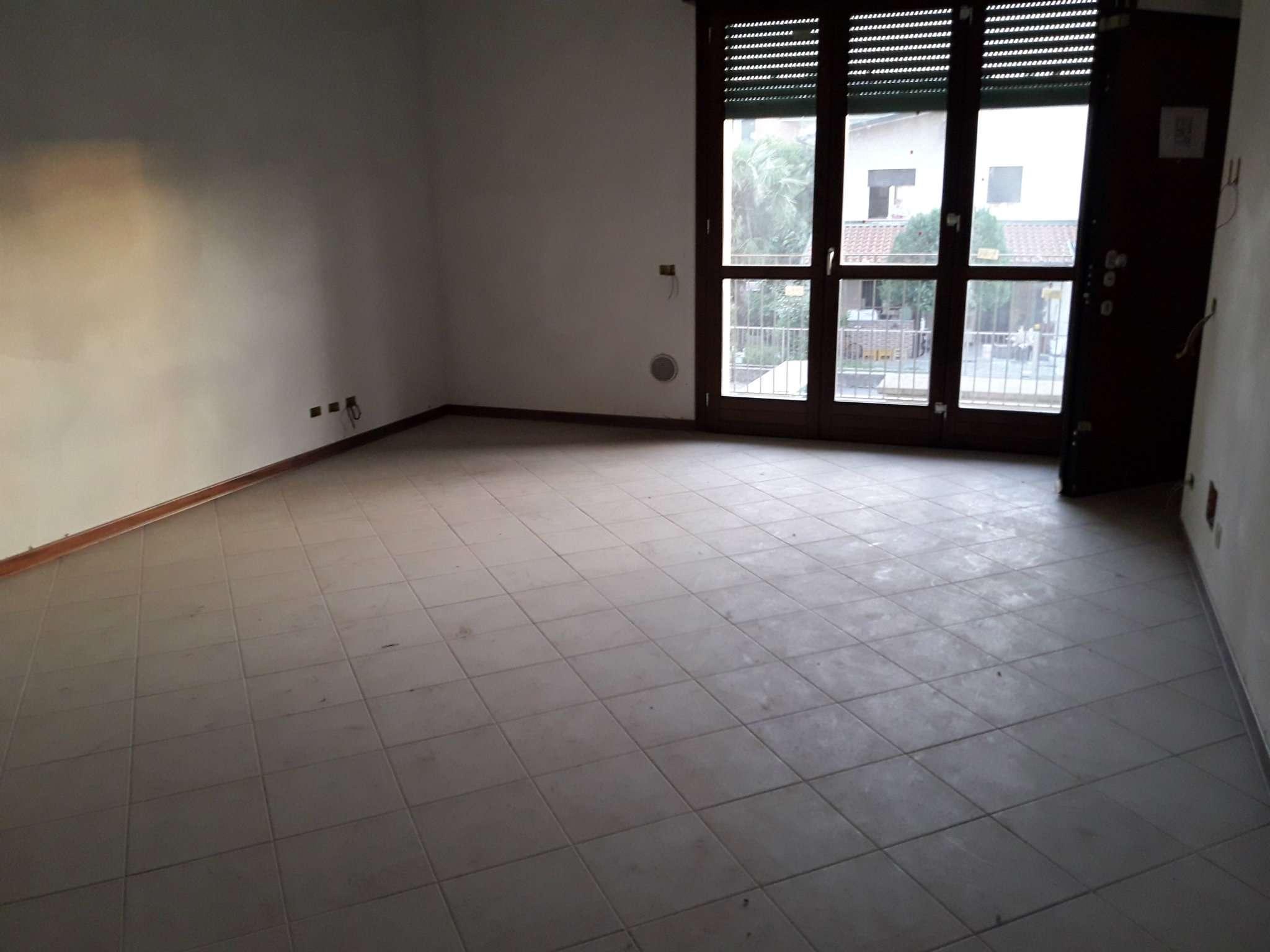 Appartamento in vendita a Solbiate Olona, 3 locali, prezzo € 118.800 | CambioCasa.it
