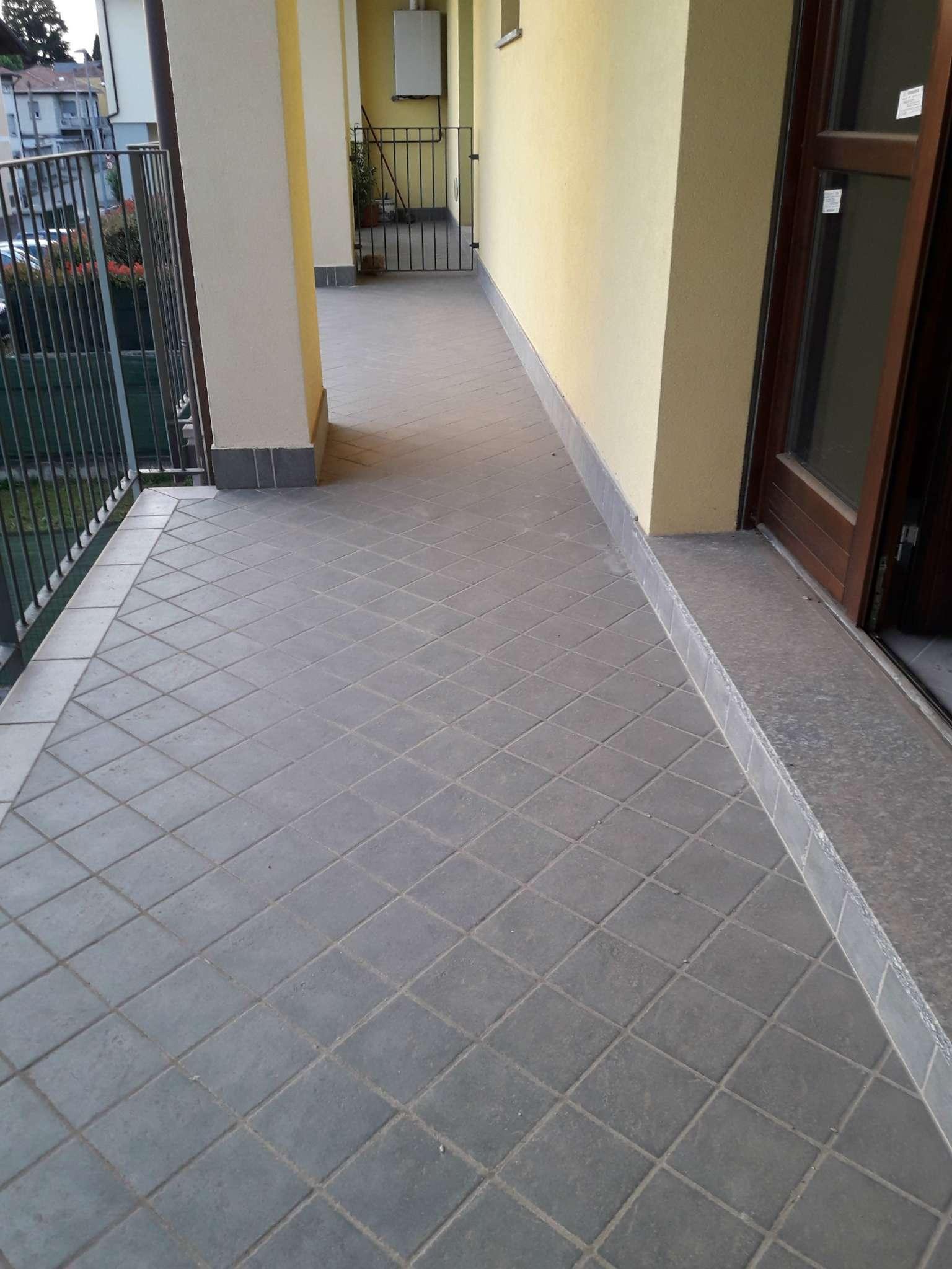 Appartamento in vendita a Solbiate Olona, 2 locali, prezzo € 83.700 | CambioCasa.it