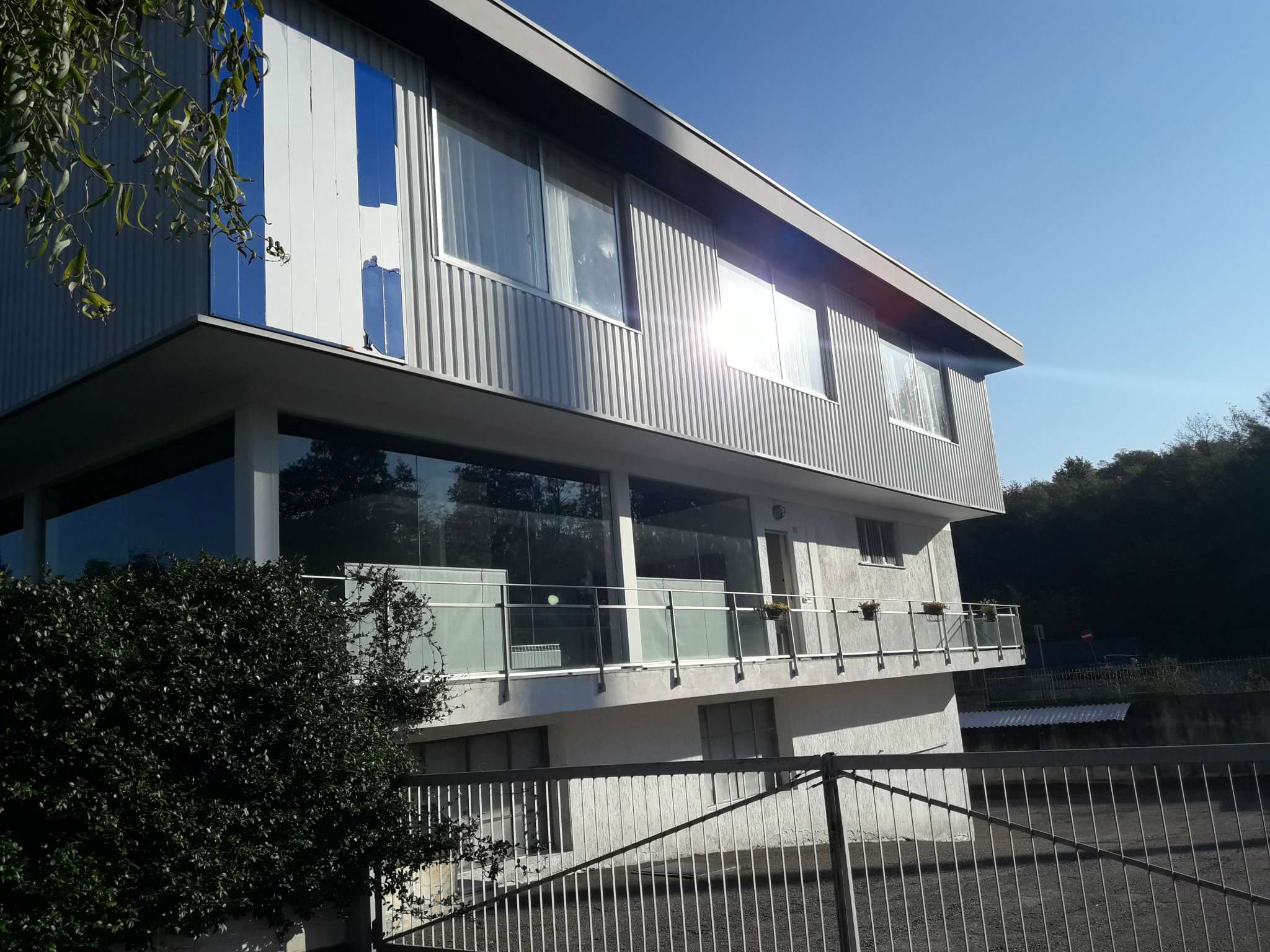 Negozio / Locale in vendita a Olgiate Comasco, 10 locali, prezzo € 1.500.000 | CambioCasa.it