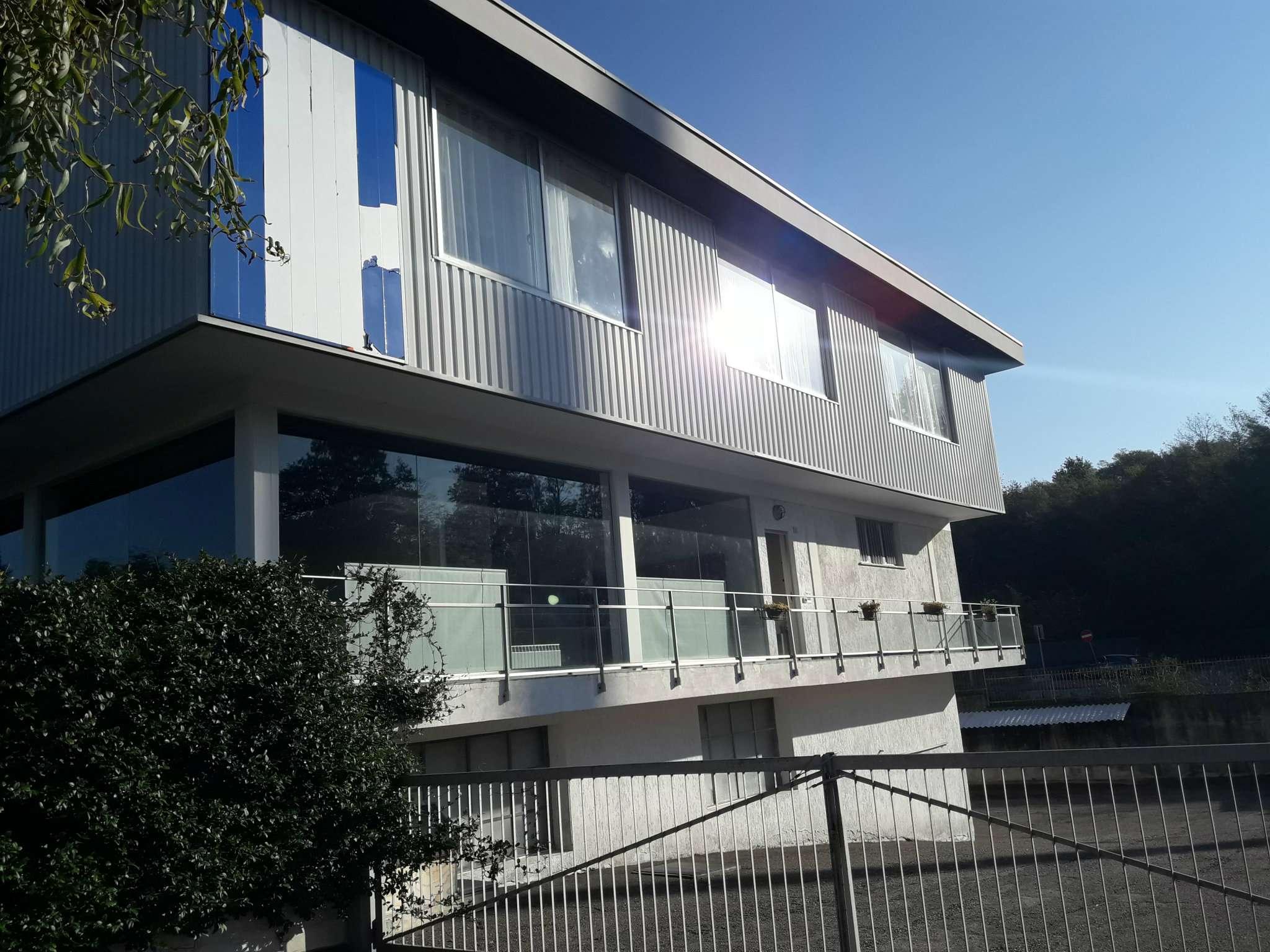 Negozio / Locale in vendita a Bizzarone, 10 locali, prezzo € 1.280.000 | CambioCasa.it