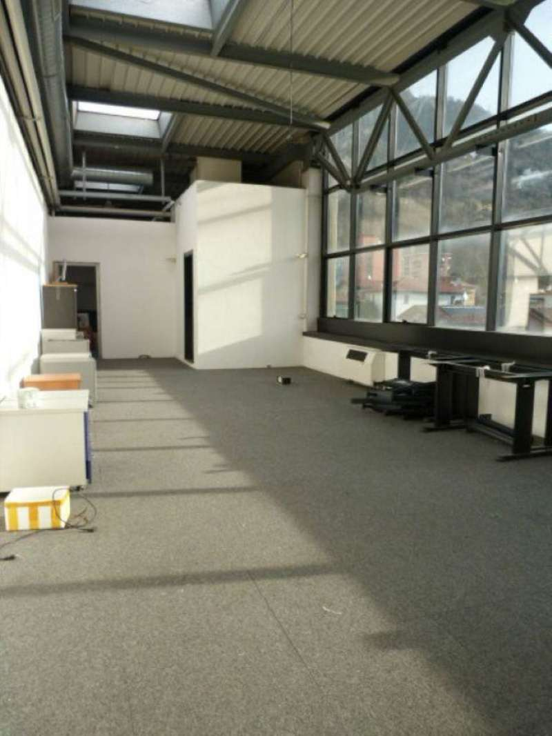 Laboratorio in affitto a Cernobbio, 5 locali, prezzo € 2.000 | CambioCasa.it