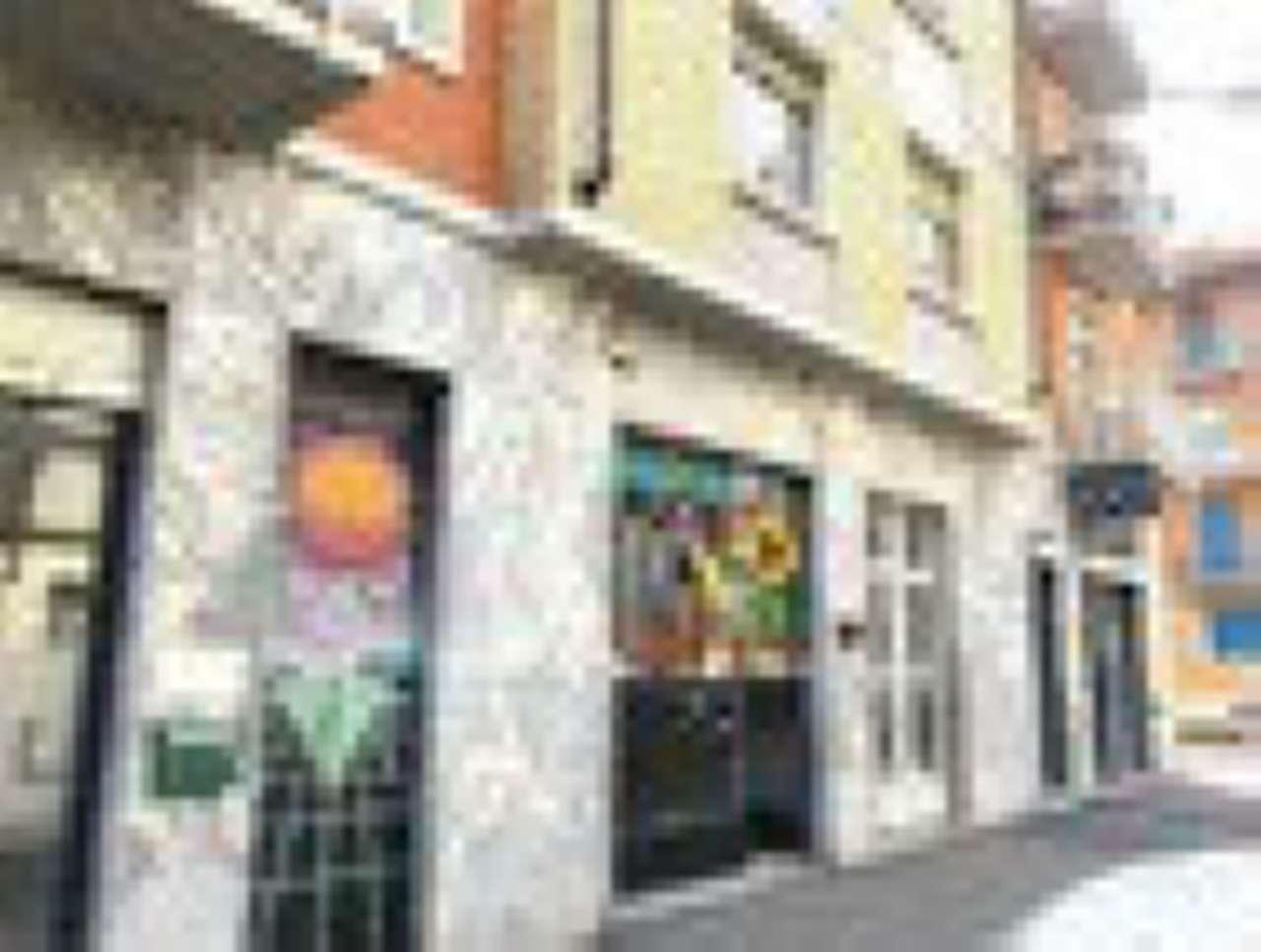 Negozio in affitto Zona Lucento, Vallette - via luini 149 Torino