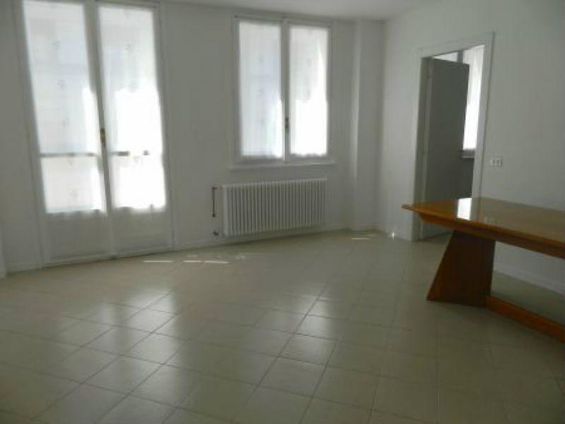 Appartamento in affitto a Sondrio, 4 locali, prezzo € 450 | CambioCasa.it