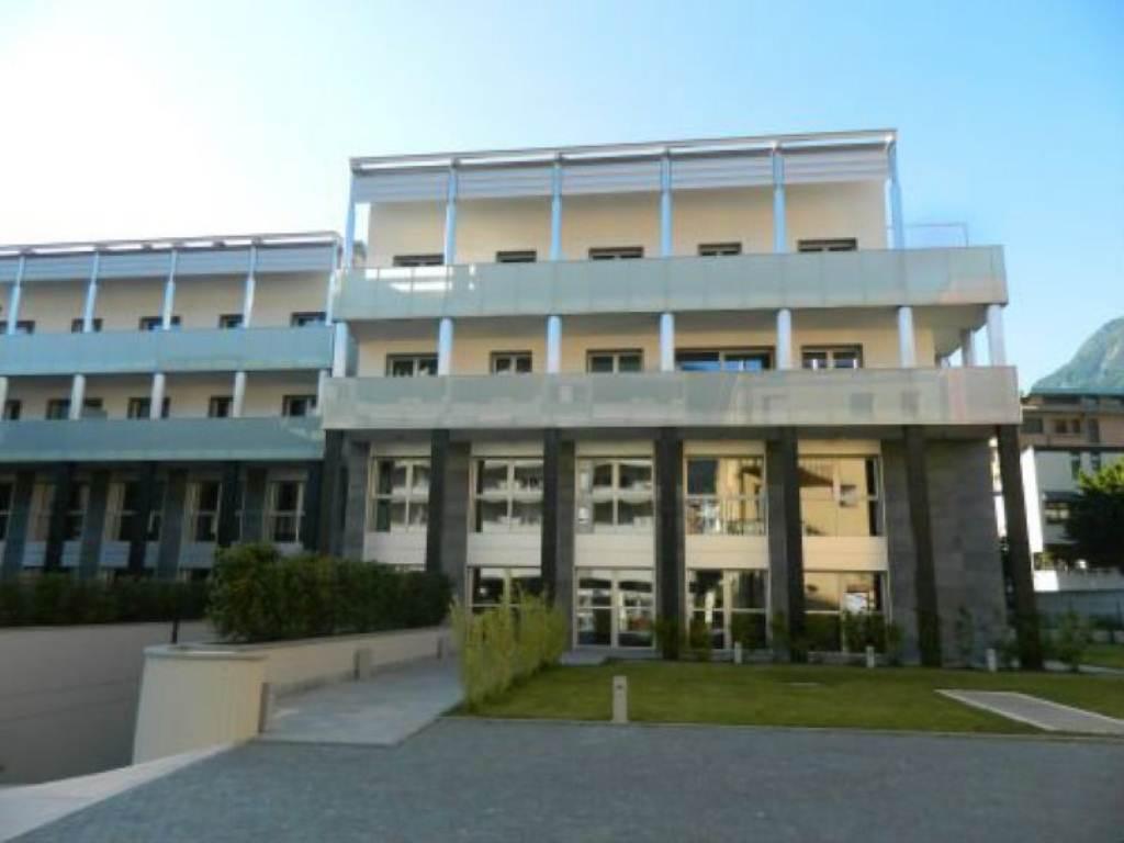 Spazi commerciali in locazione in Sondrio via Trento Rif. 5047865