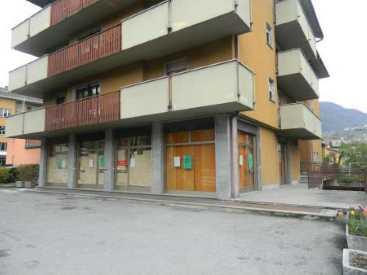 Negozio / Locale in affitto a Sondrio, 2 locali, prezzo € 1.600 | PortaleAgenzieImmobiliari.it