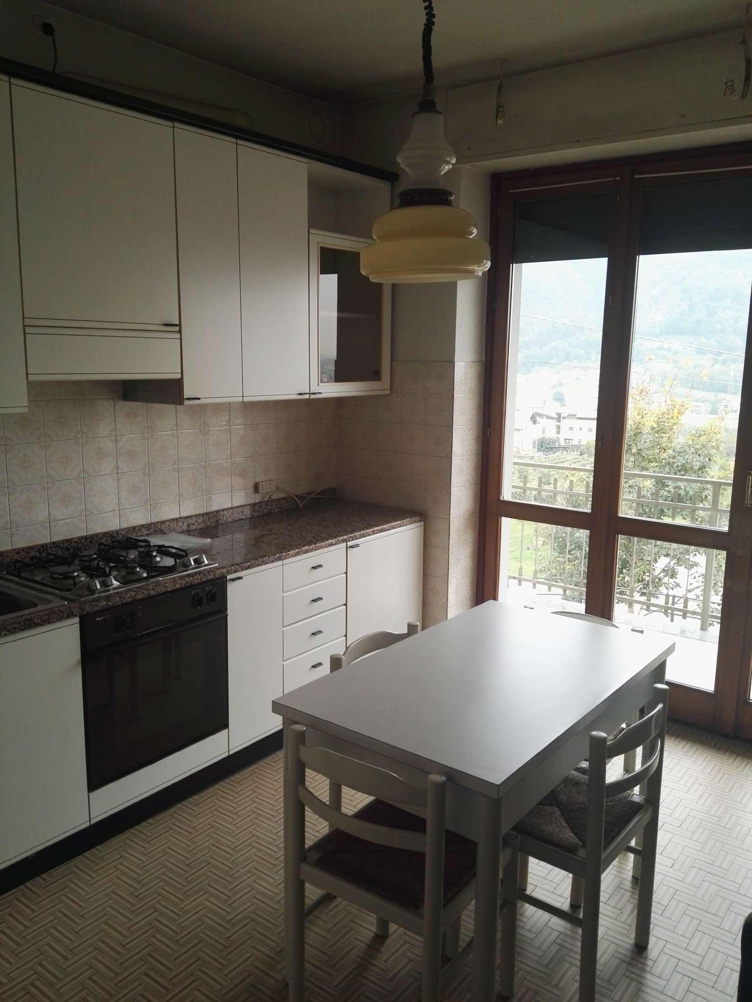 Appartamento in affitto a Piateda, 4 locali, prezzo € 450 | CambioCasa.it