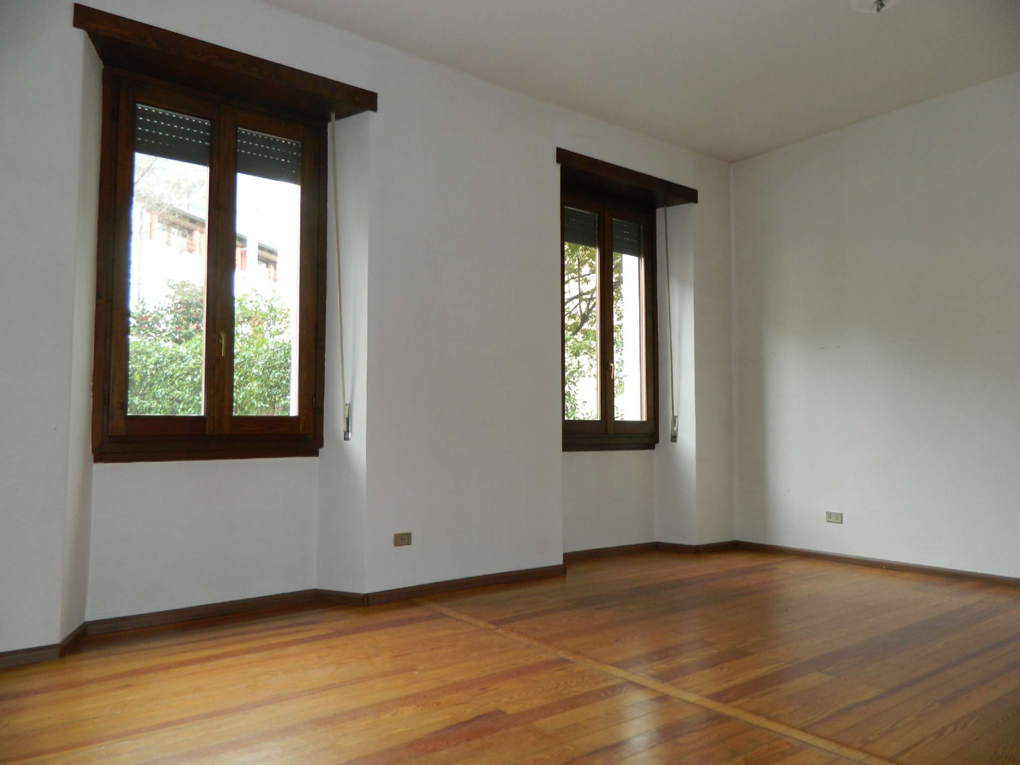 Ufficio / Studio in affitto a Sondrio, 3 locali, prezzo € 400   CambioCasa.it