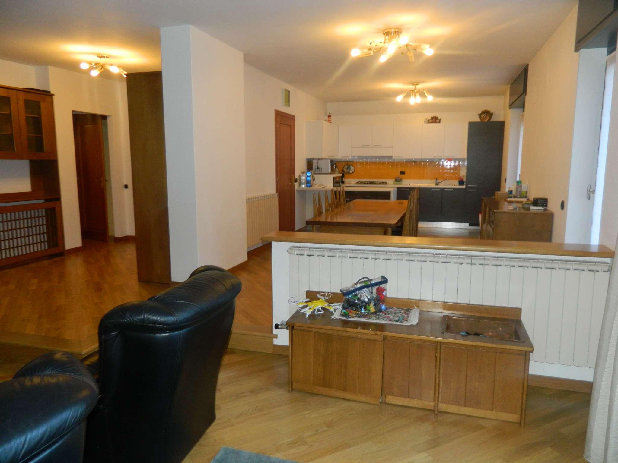 Villa in vendita a Albosaggia, 15 locali, Trattative riservate | CambioCasa.it
