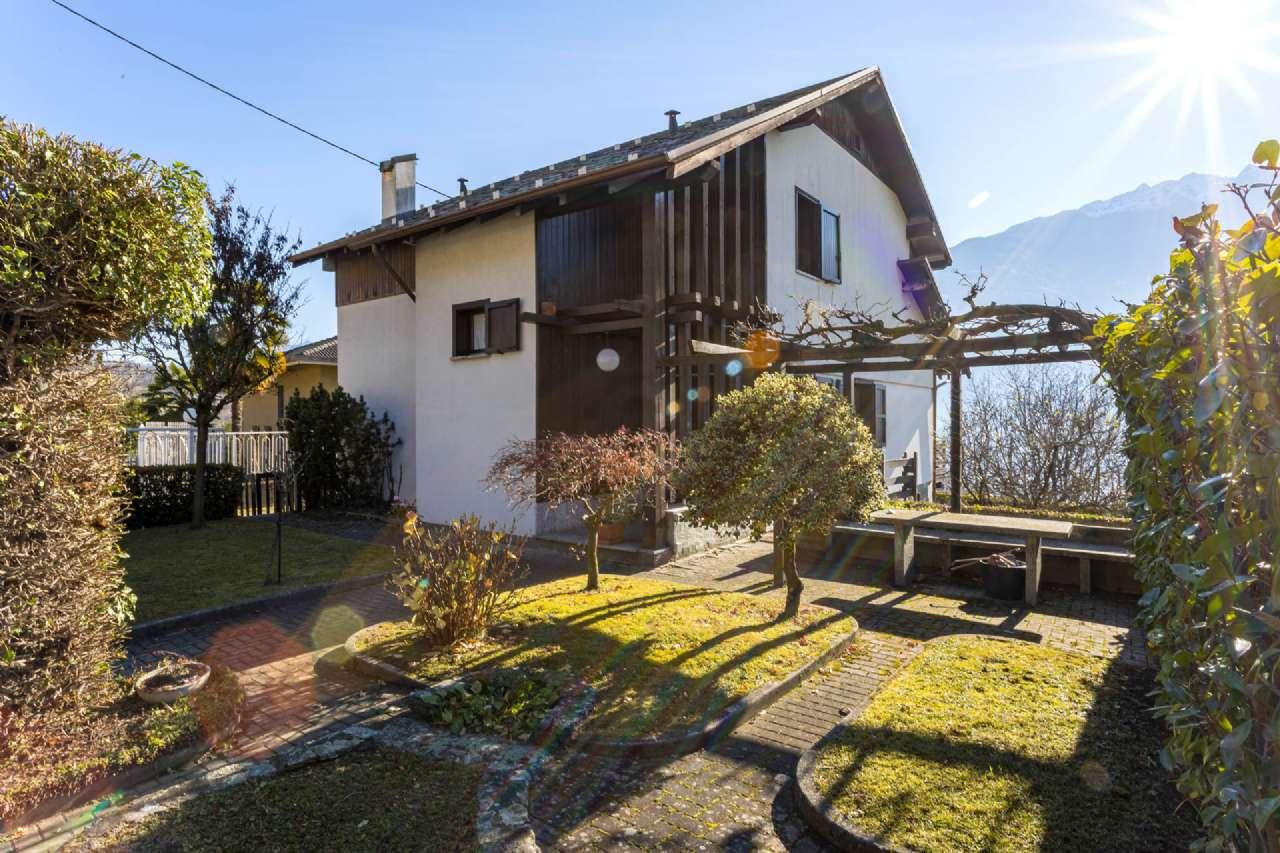 Villa in Vendita a Tresivio