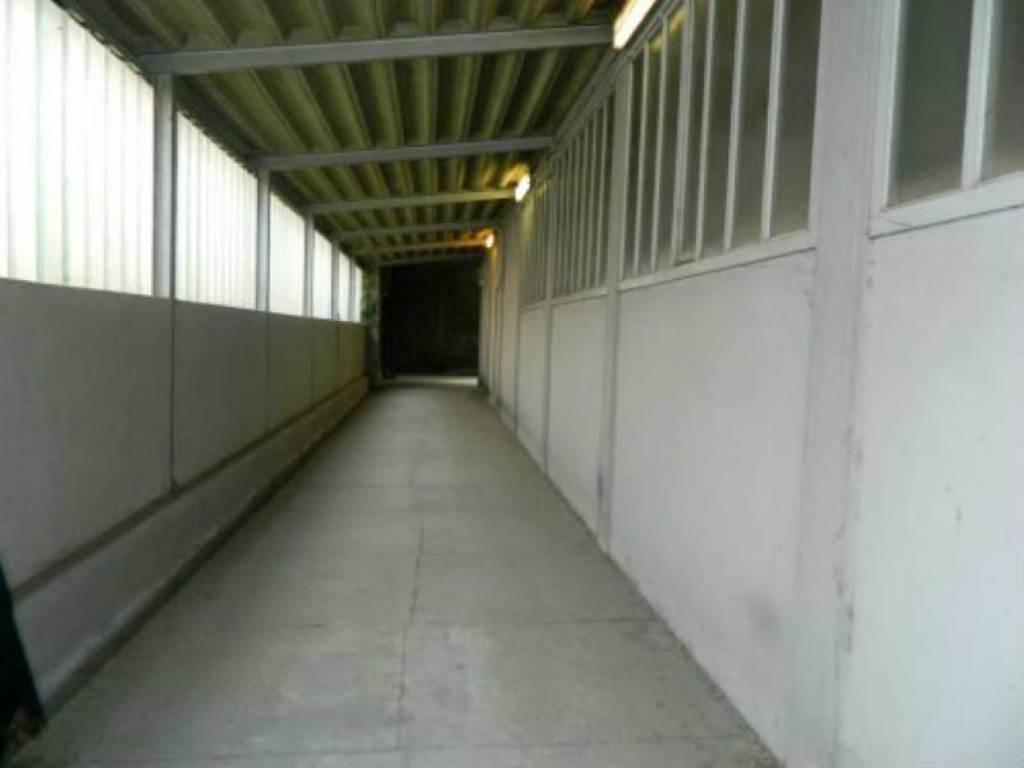 Capannone commerciale in locazione a Sondrio in Via Torelli Rif. 5047779