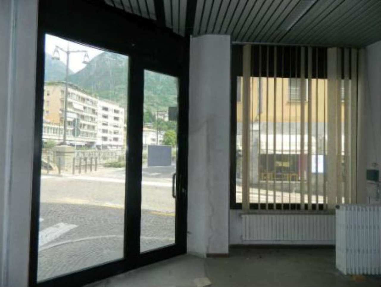 Spazio commerciale di 420 mq. in locazione a Sondrio in via Trento