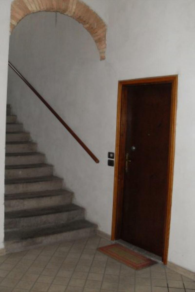 Appartamento da ristrutturare in vendita Rif. 5052469