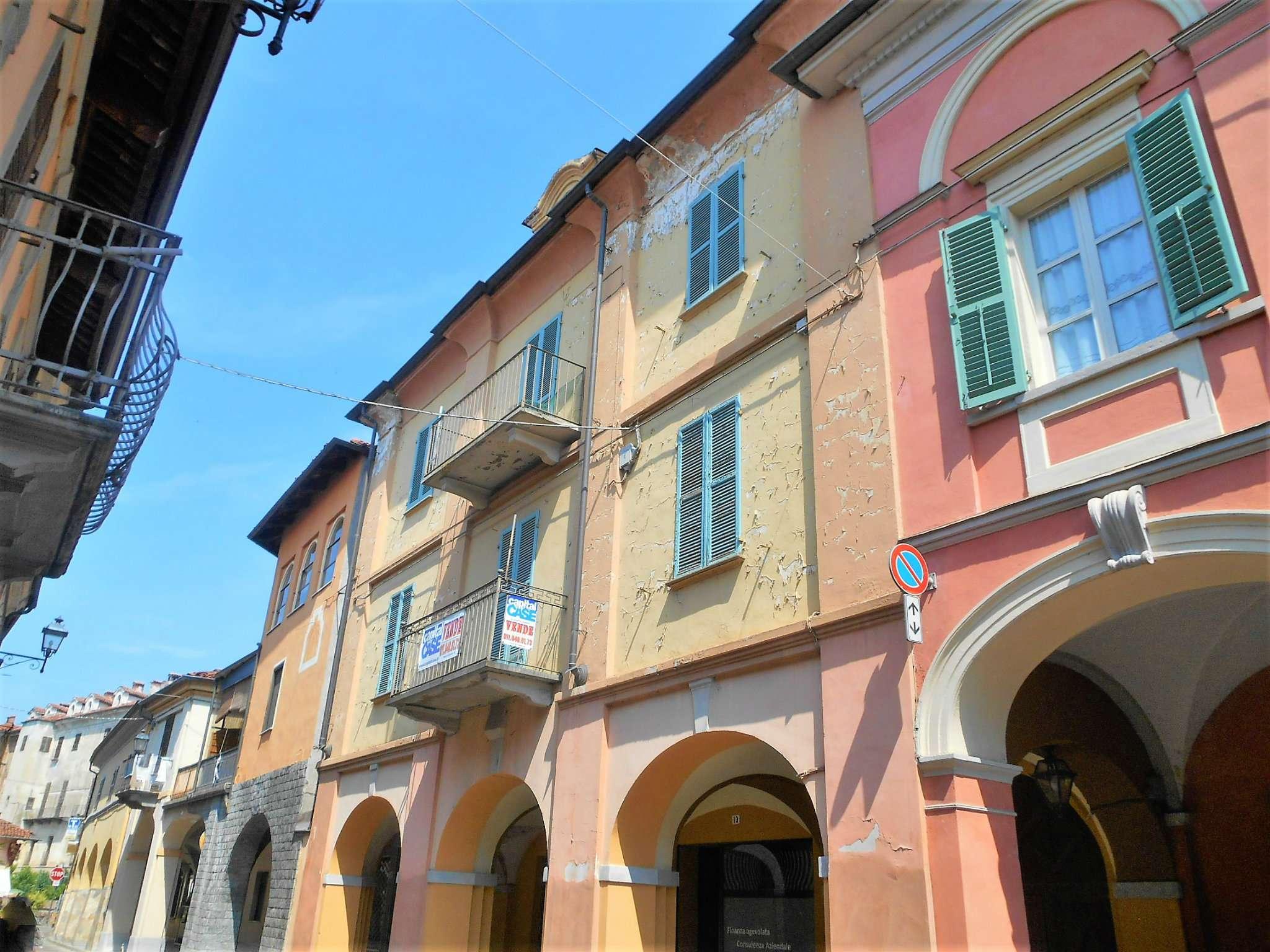 Palazzo / Stabile in vendita a Moretta, 20 locali, prezzo € 245.000 | CambioCasa.it