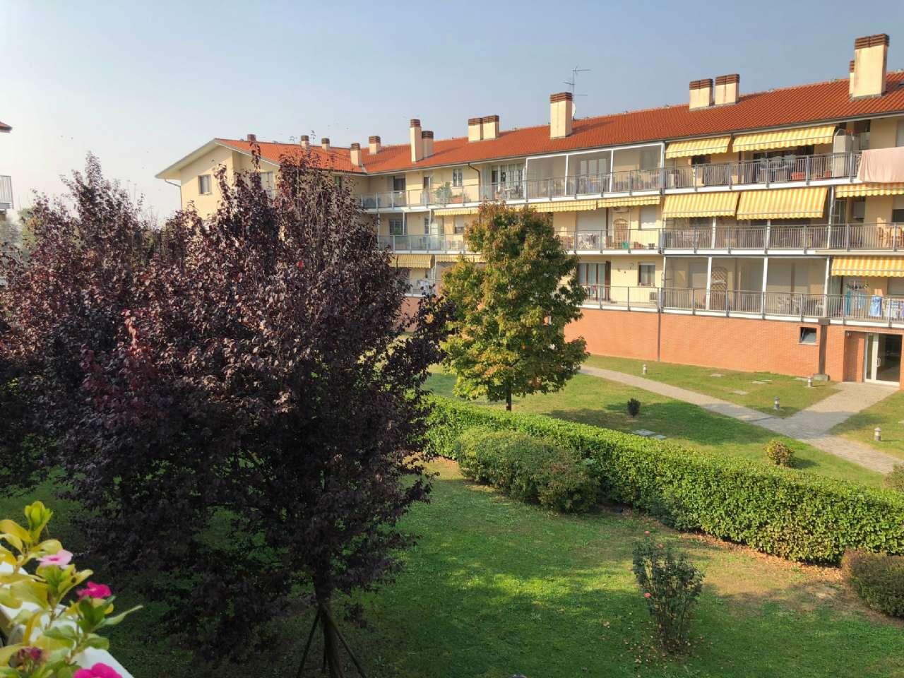 Appartamento in buone condizioni in vendita Rif. 8328085