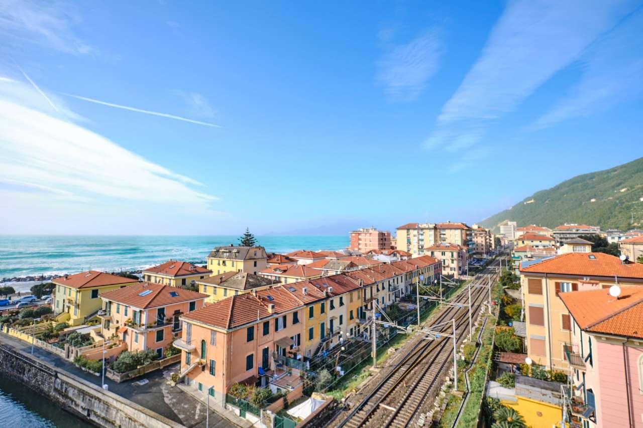 Appartamento in vendita a Chiavari, 4 locali, prezzo € 495.000 | PortaleAgenzieImmobiliari.it